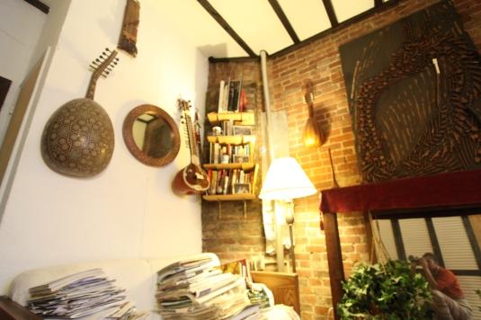 A corner Freds Living room
